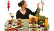 รูประกอบ อาหารบนโต๊ะอาหาร