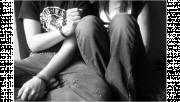 รูปประกอบเป็นรูปวัยรุ่นชายและหญิงนั่งใกล้ชิดกัน